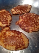 """3"""" pancakes"""