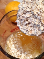 Oatmeal into the juice