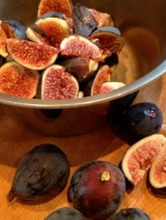 Trimming and cutting the figs